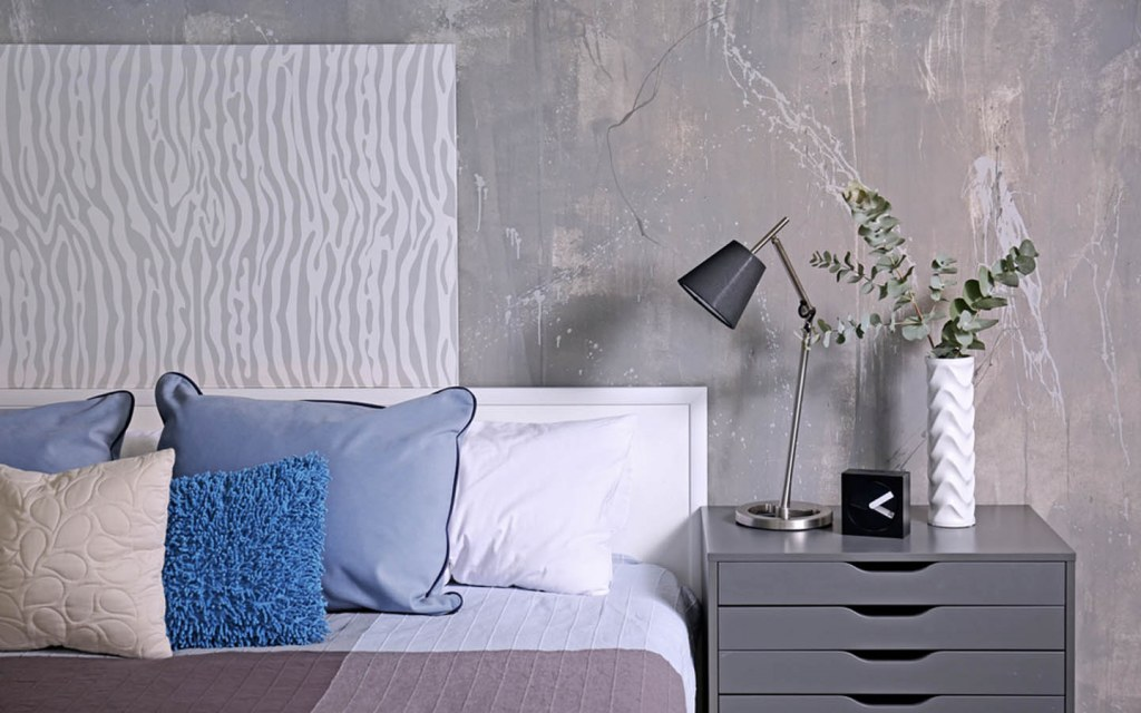 Bedside tables should be of the same height as your bed