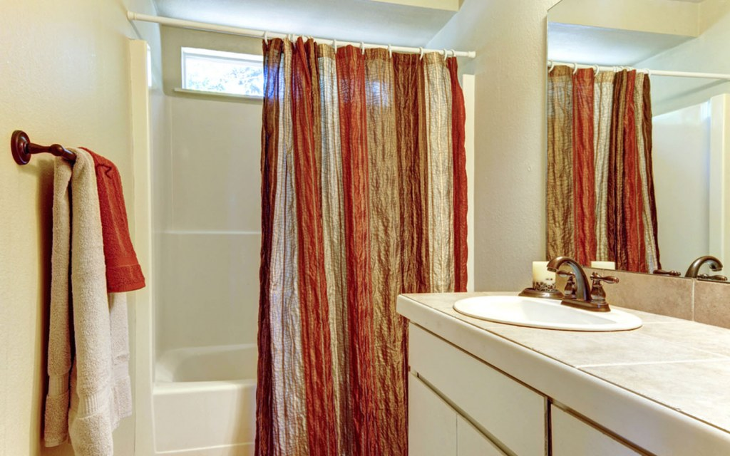 measuring ideal width for shower curtains