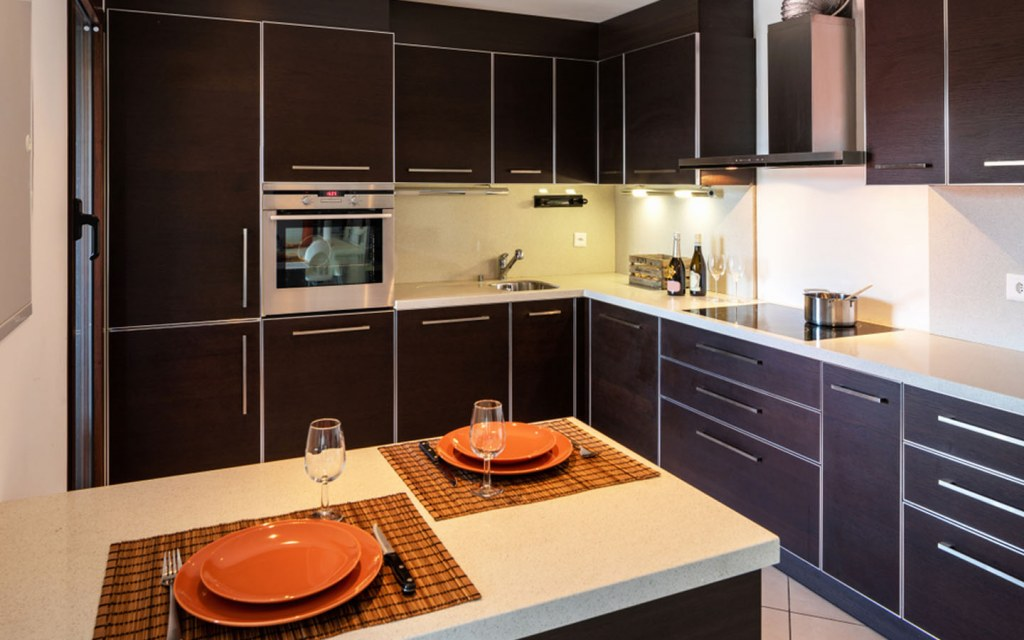 contemporary peninsula kitchen designs are ideal for modern homes
